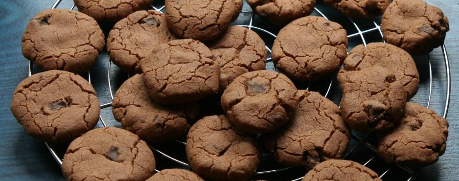 On n'a jamais trop de biscuits au chocolat.